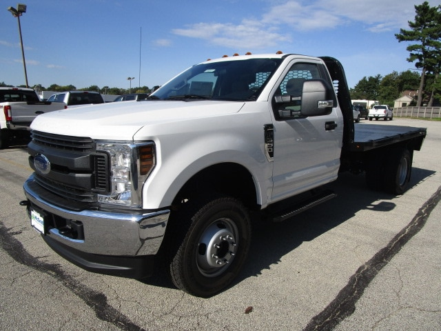 2018 F-350 Regular Cab DRW 4x4,  Knapheide Platform Body #F180515 - photo 4