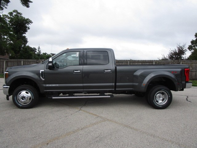 2019 F-350 Crew Cab DRW 4x4,  Pickup #F190011 - photo 7