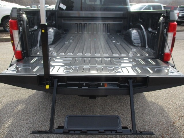 2019 F-250 Crew Cab 4x4,  Pickup #F190120 - photo 14