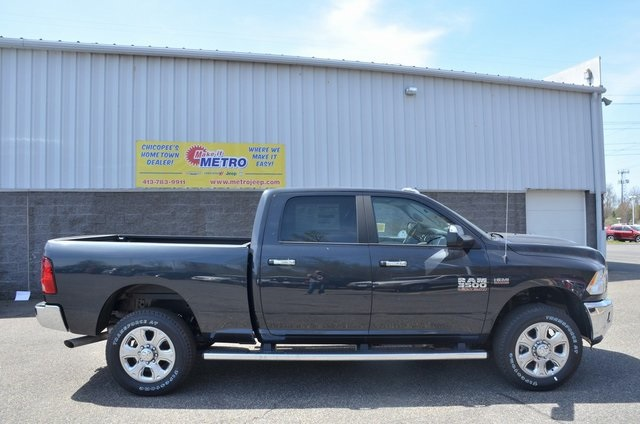 2018 Ram 3500 Crew Cab 4x4,  Pickup #8R277 - photo 9