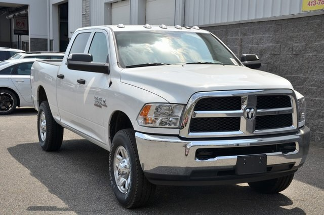 2018 Ram 3500 Crew Cab 4x4,  Pickup #8R321 - photo 3
