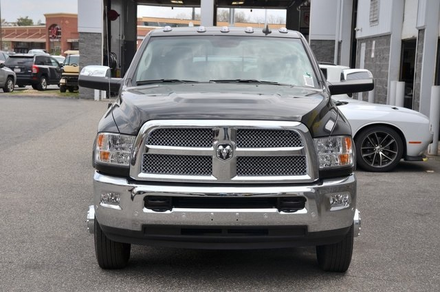 2018 Ram 3500 Crew Cab DRW 4x4, Pickup #8R361 - photo 4
