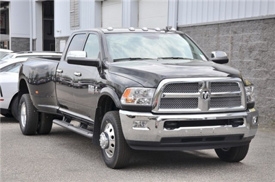 2018 Ram 3500 Crew Cab DRW 4x4,  Pickup #8R361 - photo 3