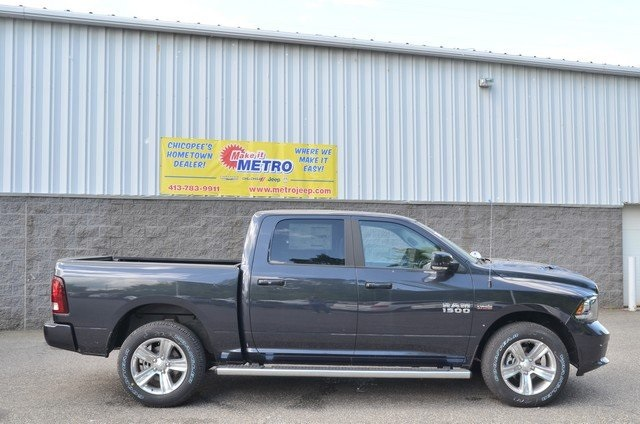 2018 Ram 1500 Crew Cab 4x4,  Pickup #8R655 - photo 9