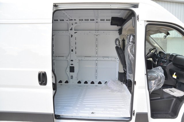 2018 ProMaster 2500 High Roof,  Empty Cargo Van #8R735 - photo 32