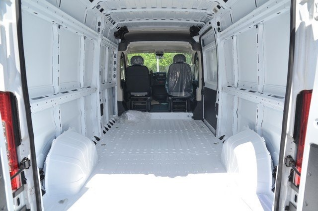 2018 ProMaster 2500 High Roof 4x2,  Empty Cargo Van #8R735 - photo 34