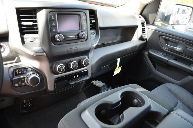 2019 Ram 1500 Crew Cab 4x4,  Pickup #9R121 - photo 24