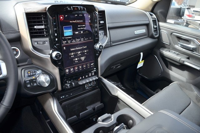 2019 Ram 1500 Crew Cab 4x4, Pickup #9R28 - photo 23