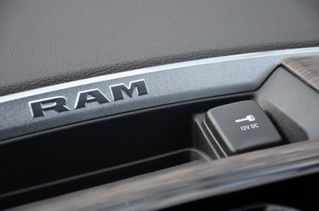 2019 Ram 1500 Crew Cab 4x4, Pickup #9R28 - photo 36