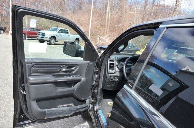 2019 Ram 1500 Crew Cab 4x4, Pickup #9R34 - photo 16