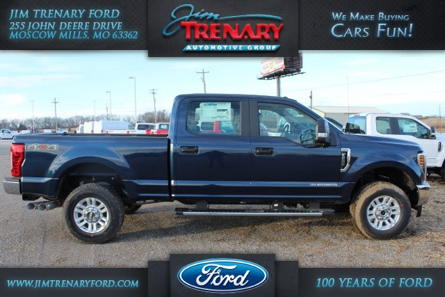 2018 F-250 Crew Cab 4x4, Pickup #MT18137 - photo 1