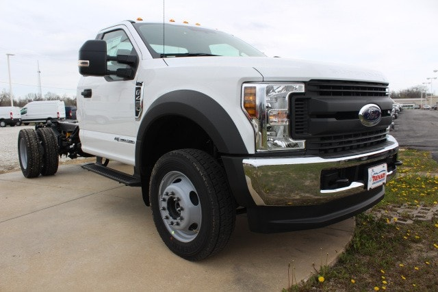 2018 F-450 Regular Cab DRW 4x4,  Cab Chassis #MT18296 - photo 3