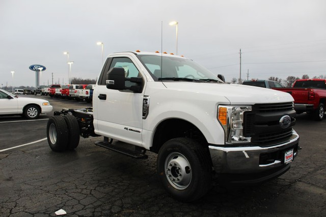 2017 F-350 Regular Cab DRW 4x4, Cab Chassis #T17169 - photo 3