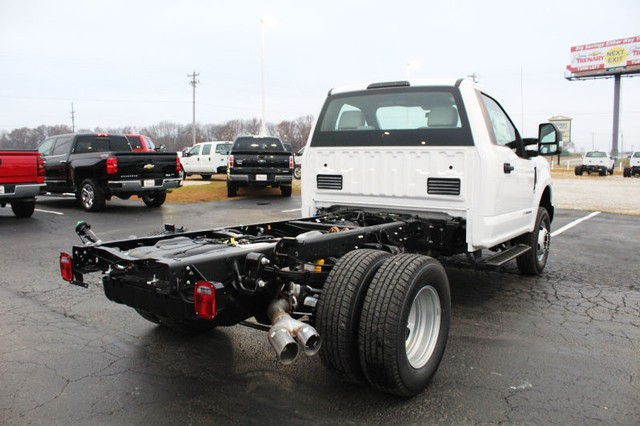 2017 F-350 Regular Cab DRW 4x4, Cab Chassis #T17169 - photo 2
