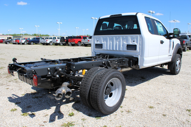 2017 F-450 Super Cab DRW Cab Chassis #T17454 - photo 2