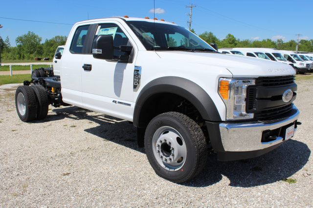 2017 F-450 Super Cab DRW Cab Chassis #T17454 - photo 3