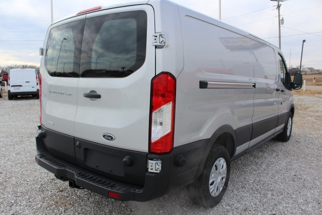 2018 Transit 250 Low Roof, Cargo Van #T18166 - photo 4
