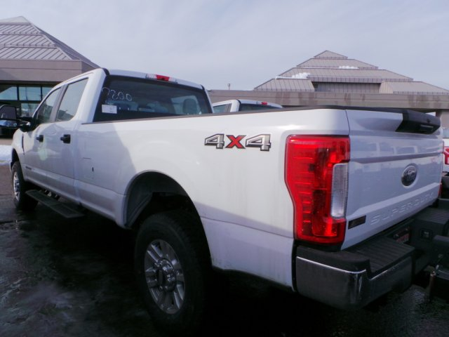 2017 F-250 Crew Cab 4x4, Pickup #F72330 - photo 2