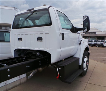 2018 F-750 Regular Cab DRW 4x2,  Cab Chassis #F82010 - photo 5