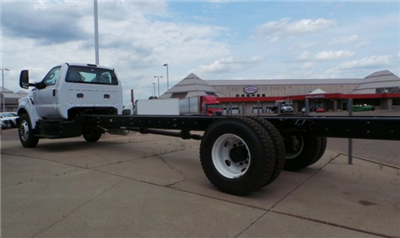 2018 F-750 Regular Cab DRW 4x2,  Cab Chassis #F82010 - photo 3