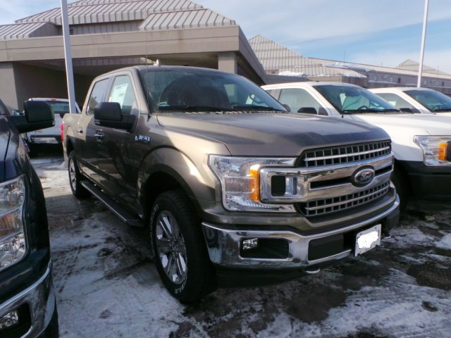 2018 F-150 Crew Cab 4x4, Pickup #F82024 - photo 2