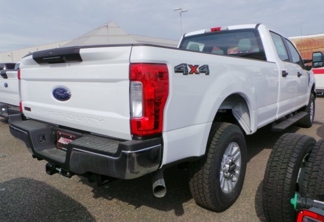 2018 F-350 Crew Cab 4x4, Pickup #F82110 - photo 4