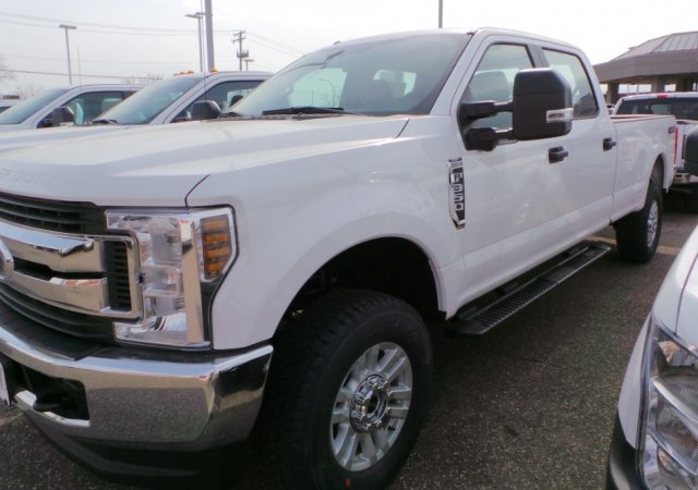 2018 F-350 Crew Cab 4x4, Pickup #F82110 - photo 1