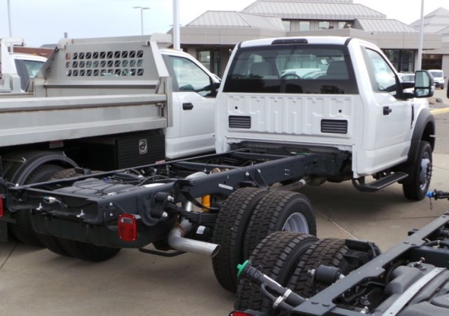 2018 F-450 Regular Cab DRW 4x2,  Cab Chassis #F82128 - photo 7