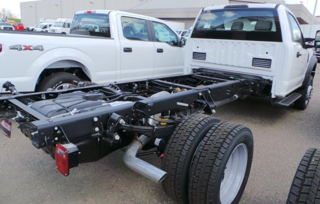 2018 F-550 Regular Cab DRW 4x4, Cab Chassis #F82577 - photo 3