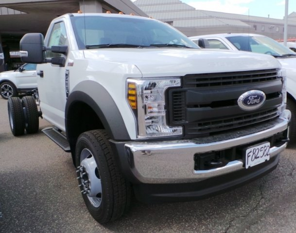 2018 F-550 Regular Cab DRW 4x4, Cab Chassis #F82582 - photo 3