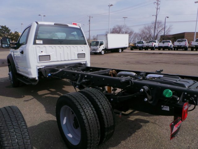 2018 F-450 Regular Cab DRW 4x4,  Cab Chassis #F82583 - photo 3
