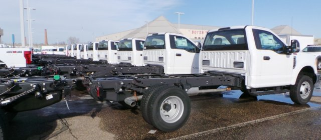 2018 F-450 Regular Cab DRW 4x4,  Cab Chassis #F82583 - photo 5