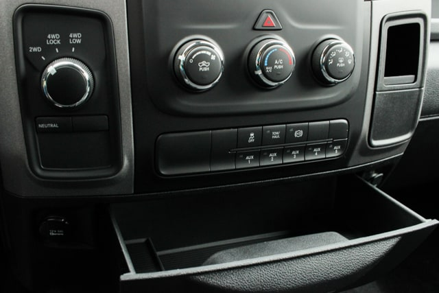 2018 Ram 3500 Crew Cab 4x4, Pickup #18049 - photo 21