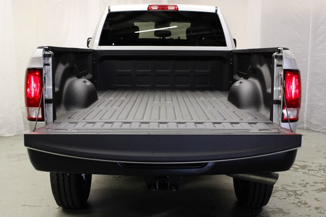 2018 Ram 2500 Crew Cab 4x4, Pickup #18081 - photo 4
