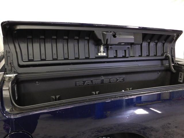 2018 Ram 1500 Crew Cab 4x4, Pickup #18392 - photo 17