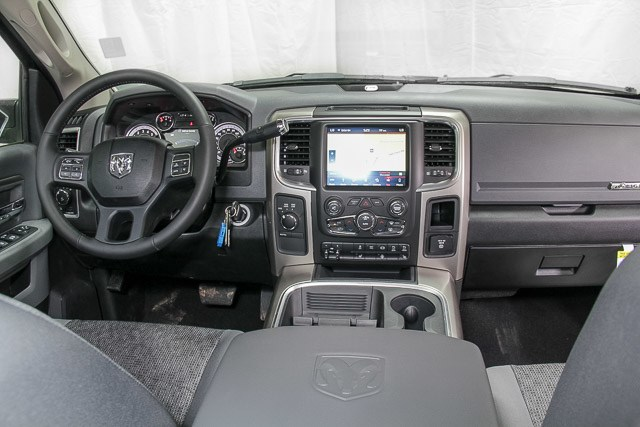 2018 Ram 2500 Crew Cab 4x4, Pickup #18621 - photo 12