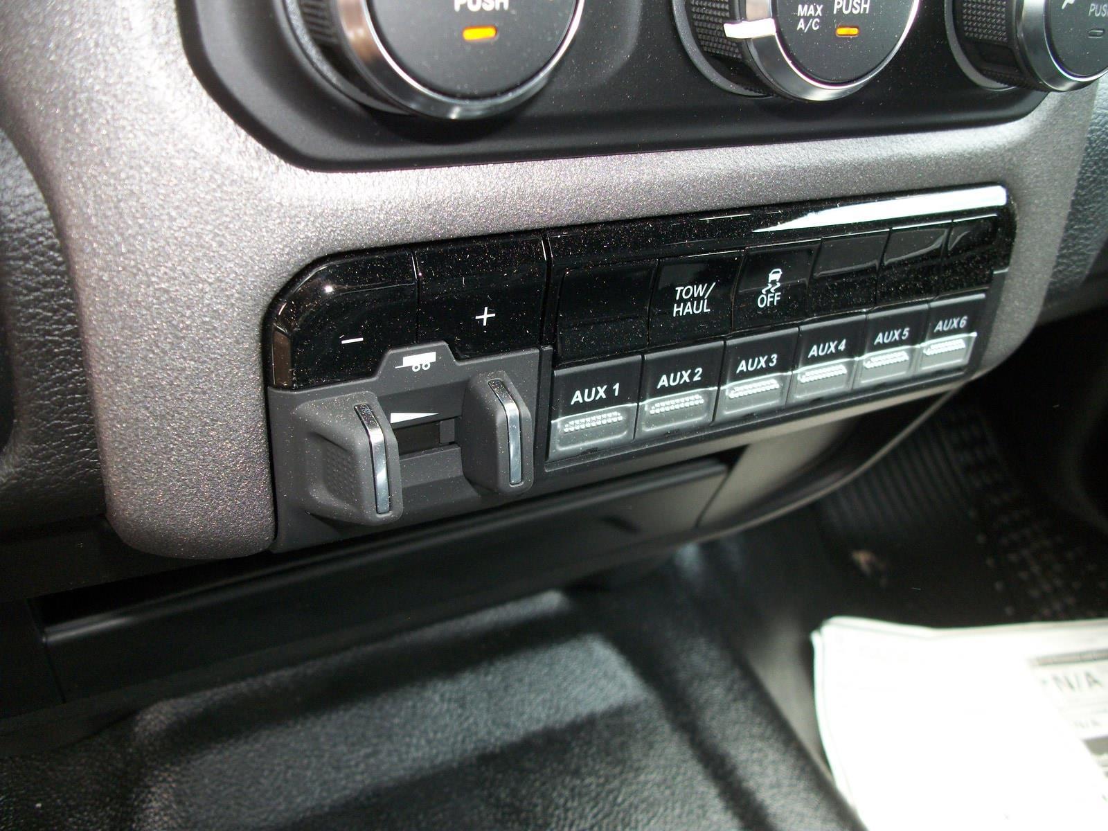 2021 Ram 3500 Crew Cab DRW 4x4,  Cab Chassis #21515 - photo 11