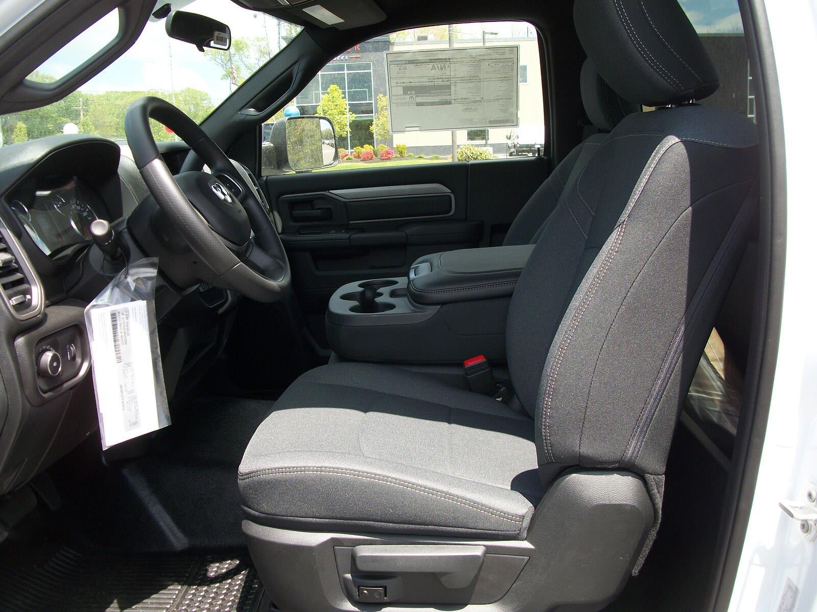 2021 Ram 5500 Regular Cab DRW 4x4,  Cab Chassis #21590 - photo 10