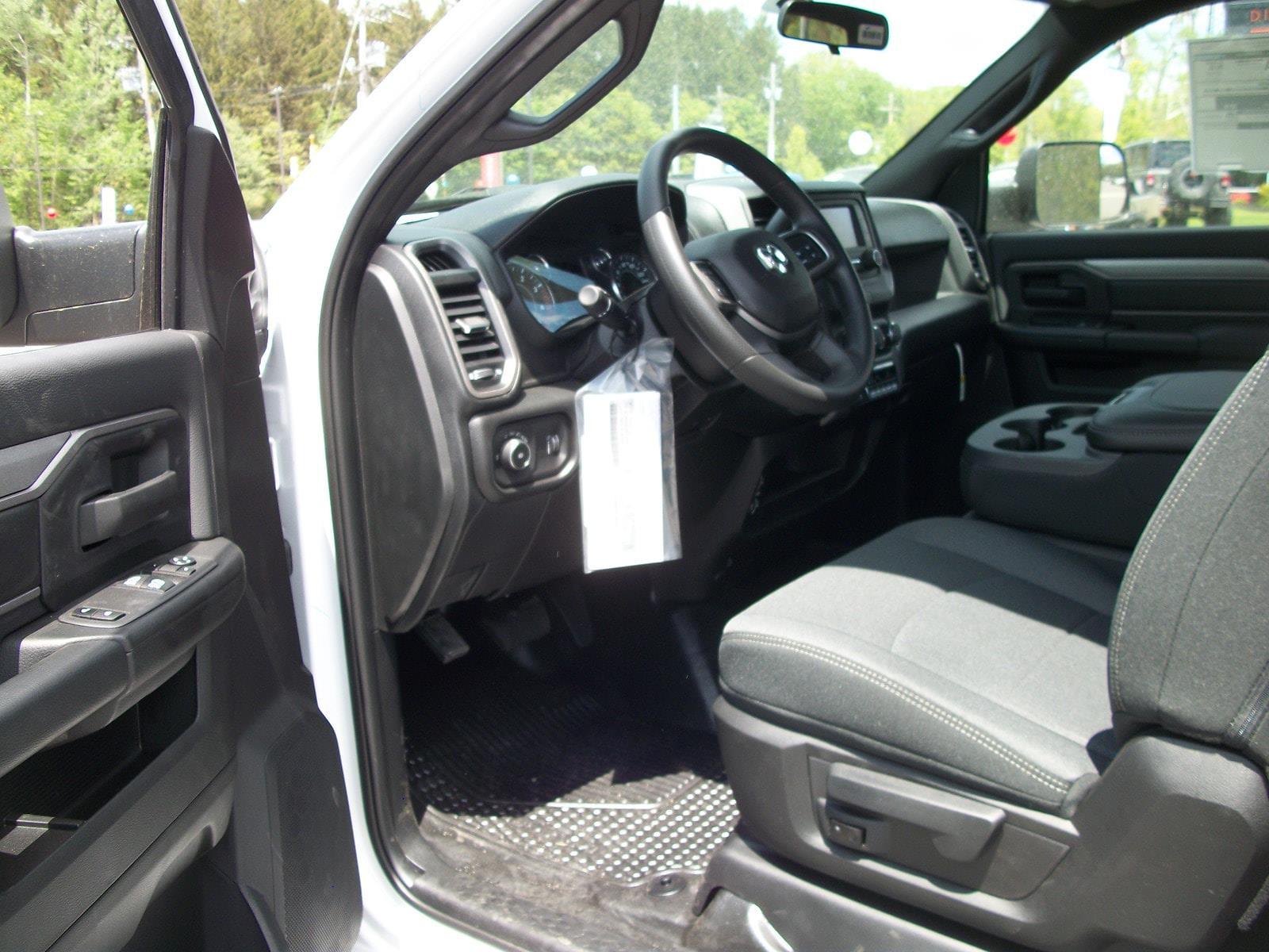 2021 Ram 5500 Regular Cab DRW 4x4,  Cab Chassis #21590 - photo 9
