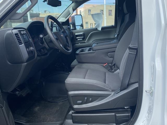 2020 Chevrolet Silverado 5500 Regular Cab DRW 4x2, Cab Chassis #LH244141 - photo 9