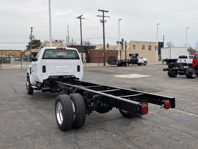2020 Chevrolet Silverado 6500 Regular Cab DRW 4x4, Cab Chassis #LH307949 - photo 2