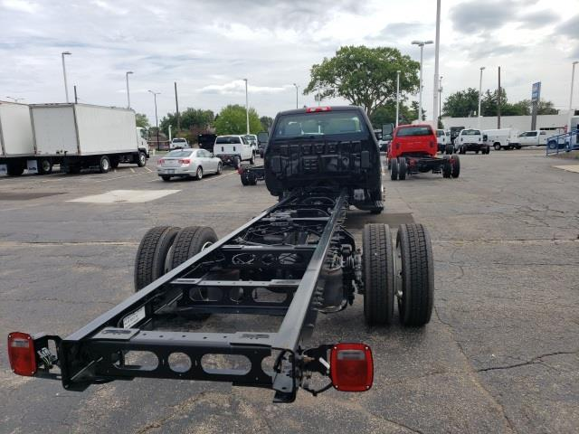 2020 Chevrolet Silverado 6500 Regular Cab DRW 4x2, Cab Chassis #LH615544 - photo 2