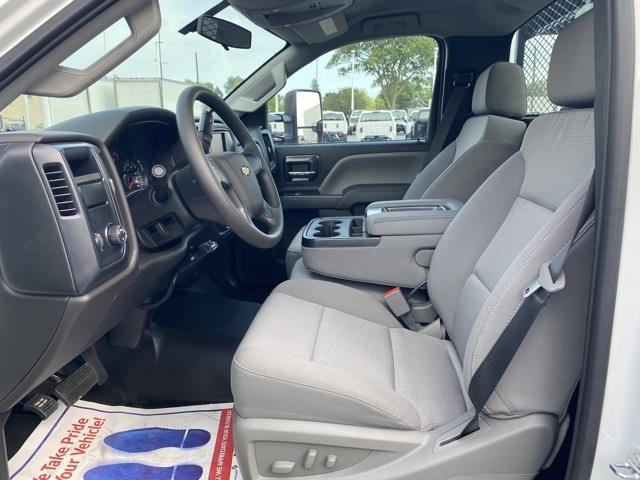 2020 Chevrolet Silverado 5500 Regular Cab DRW 4x2, Wil-Ro Removable Dovetail Landscape #LH616361 - photo 10
