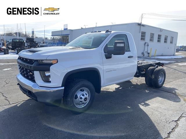2021 Chevrolet Silverado 3500 Regular Cab 4x4, Cab Chassis #MF178253 - photo 1