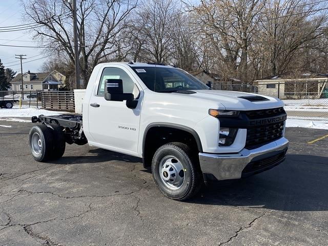 2021 Chevrolet Silverado 3500 Regular Cab 4x4, Cab Chassis #MF178253 - photo 7
