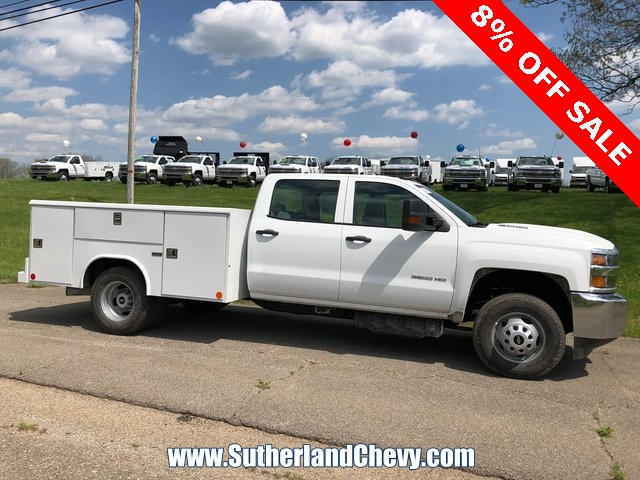 2018 Silverado 3500 Crew Cab DRW 4x4, Service Body #246354-18 - photo 3