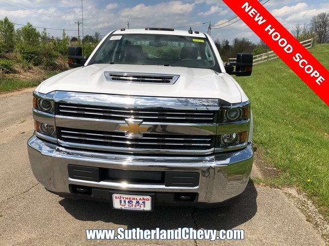 2018 Silverado 3500 Crew Cab DRW 4x4, Service Body #246354-18 - photo 5