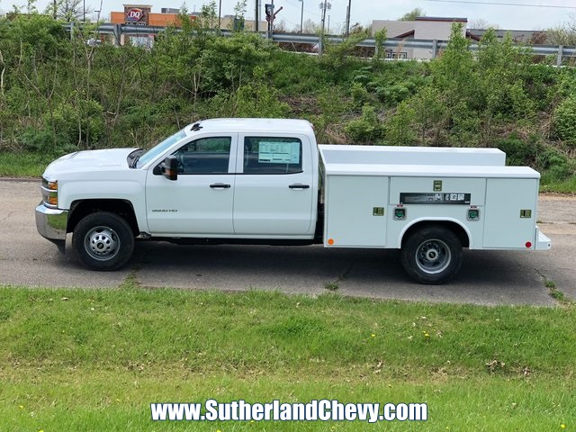 2018 Silverado 3500 Crew Cab DRW 4x4, Service Body #246354-18 - photo 6