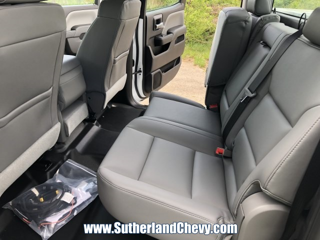 2018 Silverado 3500 Crew Cab DRW 4x4,  Reading Classic II Steel Service Body #246884-18 - photo 16