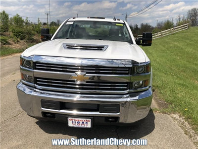 2018 Silverado 3500 Crew Cab DRW 4x4,  Reading Classic II Steel Service Body #246884-18 - photo 4